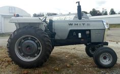 White Tractor, Vintage Tractors, Rubber Tires, Techno, Tractor Farming, Monster Trucks, Vehicles, Boss, Car