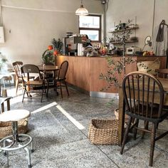 Home Decoration For Birthday Party Referral: 6562166313 Cafe Interior Vintage, Vintage Cafe, Cafe Interior Design, Room Interior, Cosy Cafe, Cafe Shop Design, Cafe Counter, Counter Design, Store Interiors