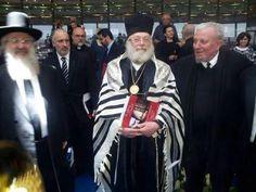 Kiko Argüello & the rabbins in the commemoration of the 70 aniversay of the holocaust. Domus Galilaeae, Israel.