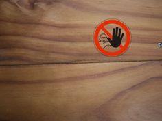 Ne pas serrer les lames de terrasse au risque de de chevauchement