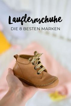 The 9 best walking shoes- Die 9 besten Lauflernschuhe Baby & first shoes The 8 Best First Walkers and Brands Criteria for Buying Shoes Shoes for the baby, child, toddler Baby Nike, Baby Boy Shoes, Girls Shoes, Baby Kicking, Barefoot Shoes, First Walkers, Baby Blog, Pregnant Mom, Childrens Shoes