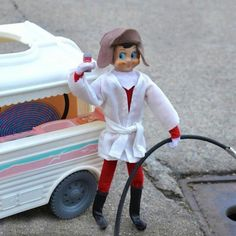 I wouldn't do this but it is funny! Elf On a Shelf Cousin Eddie Lampoon's Christmas Vacation Lampoon's Christmas Vacation, Christmas Elf, Christmas Humor, Christmas Ideas, Christmas Movies, Griswold Christmas, Christmas Stuff, Christmas Collage, Cousin Eddie Christmas Vacation