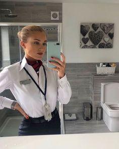 Flight Attendant Hair, Selfies, Beauty Cabin, Airline Uniforms, Female Pilot, British Airways, Cabin Crew, Lady And Gentlemen, Teenage Dream