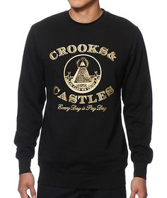 Cop a money new style with a gold Crooks & Castles Every Day Is Pay Day text and pyramid chest graphic with a fleece lining to improve comfort.