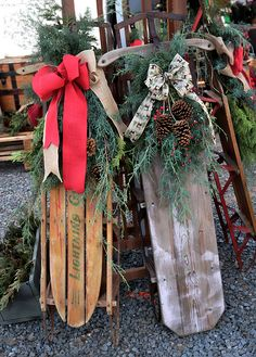 Vintage Sleds by Suzanne Stout Christmas Lodge, Christmas Tree Lots, Country Christmas Decorations, Woodland Christmas, Christmas Tree Farm, Outdoor Christmas, Rustic Christmas, Christmas Sleighs, Vintage Christmas