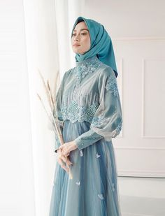 Dress Hijab Batik Beautiful 65 New Ideas Hijab Gown, Hijab Dress Party, Hijab Style Dress, Batik Fashion, Abaya Fashion, Muslim Fashion, Fashion Dresses, Dress Brokat Muslim, Muslim Dress