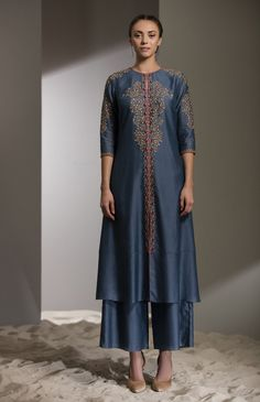 Fabric Material: Chanderi Bottom: Palazzo Material Composition: Silk Care: Dry Clean Only Pakistani Dress Design, Pakistani Dresses, Indian Dresses, Indian Outfits, Kurti Neck Designs, Kurta Designs Women, Blouse Designs, Style Français, Designs For Dresses