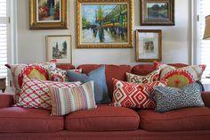 O poder das almofadas estampas. Veja:http://www.casadevalentina.com.br/blog/detalhes/o-poder-das-almofadas-estampadas-3166   #decor #decoracao #interior #design #casa #home #house #idea #ideia #detalhes #details #style #estilo #casadevalentina #estampa #stamp #livingroom #saladeestar