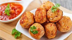 Healthy Cooking, Healthy Eating, Beyond Diet Recipes, Chicken Balls, Leftover Chicken Recipes, Turkey Meatballs, Appetisers, Weight Watchers Meals, Vegetable Recipes