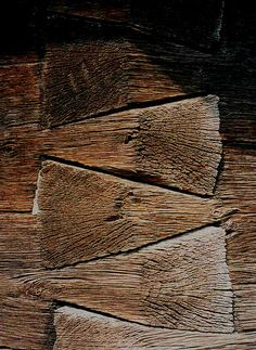 giant dovetails [the angle is not 90 but 120 degrees] from the altar of a wooden church in Valcea County, XIX century, Romania  detaliu de la o biserica de lemn din Valcea