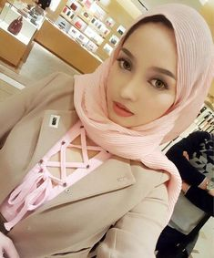 Joy Revfa Sofia Beautiful Muslim Women, Beautiful Hijab, Hijabi Girl, Girl Hijab, Arab Girls, Muslim Girls, Muslim Fashion, Hijab Fashion, Islamic Fashion