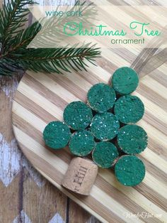 Christmas Tree Ornament made from a wine cork DIY