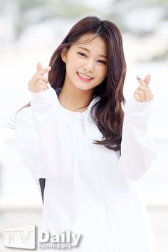 Tzuyu Twice - Tzuyu Kpop - Chou Tzuyu Kpop Girl Groups, Korean Girl Groups, Kpop Girls, Asian Woman, Asian Girl, Tzuyu And Sana, Girl Group Pictures, Twice Kpop, Tzuyu Twice