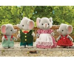 Wow! Sylvanian Family amazement so cute elephants great fathers or mothers day card super kitsch retro toys are the best