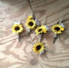 Set of 3 boutonnieres Sunflower wedding by BudgetWeddingBouquet