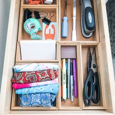 Another happy utility drawer! 💃🏻We love creating these for our clients - and it's even more fun to figure out exactly what the best things are for each person for each drawer. ⠀ 🙌The bamboo drawer organizers can be configured to hold just about anything so once we know what is going in the drawer - we create the layout to suit. ⠀ 💁🏻♀️Everyone has different needs but everyone deserves a lovely (and functional!) utility drawer! ⠀ #afreshspace #utilitydrawer #junkdrawer… Organizing Hacks, Organization, Junk Drawer, Organizers, More Fun, Bamboo, Drawers, Layout, Suit
