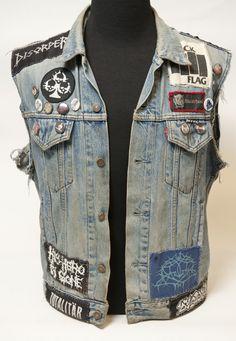 Denim jacket men, punk jackets и denim outfit. Patch Jacket Mens, Denim Jacket Men, Oversized Denim Jacket, Vest Jacket, Denim Jacket Patches, Punk Outfits, Vest Outfits, Grunge Outfits, Denim Outfit