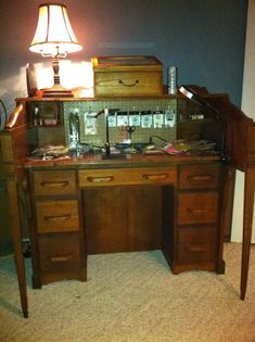 My fly tying desk. Fly Fishing Gear, Fishing Stuff, Fly Tying Supplies, Fly Tying Desk, Fly Craft, Fly Tying Materials, Feather Crafts, Basement Storage, Flyer