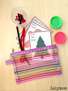 Christmas Busy Bag Free Printables - Playdough Activity Cards for Kids on Lalymom.com Click to get your printable copy!
