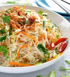 Asian Vermicelli Noodle Salad (for gluten free will use brown rice noodles (MAIFUN / Annie Chun's ) or ( Bean Threads / KA*ME ) Vermicelli Salad, Vermicelli Recipes, Vermicelli Noodles, Asian Noodles, Rice Noodles, Vegetarian Recipes, Cooking Recipes, Healthy Recipes, Cooking Tips