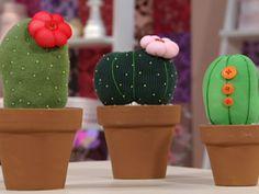 Cactus de tela hechos con medias, ¡bellísimos para decorar! ¡ Y muy fáciles de hacer!
