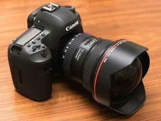 Canon EOS 5Ds with 11-24 mm. f/4L USM