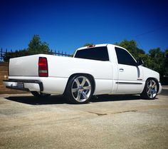 SHOW & SHINE DISCUSSION - Lowered on - Does anyone have a chevy truck lowered on Is there any tire clearance issues? 85 Chevy Truck, Chevy Trucks Lowered, Gm Trucks, Diesel Trucks, Cool Trucks, Pickup Trucks, Chevy 4x4, Lifted Trucks, Custom Truck Parts