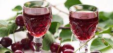 6 απίθανα σπιτικά λικέρ - www.olivemagazine.gr Cocktail Drinks, Alcoholic Drinks, Beverages, Greek Recipes, Wine Recipes, Wine Chart, Wedding Art, Foodie Travel, Soul Food