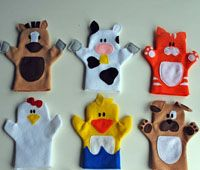 31 Free Hand Puppet Patterns and sewing guide to make them and a curtain stage to set up in a doorway!  How fun!