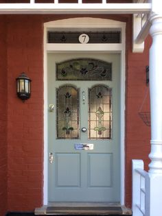 Edwardian front door with stained glass (glass door crafts) Front Door Trims, Double Front Doors, Front Door Entrance, Exterior Front Doors, House Front Door, Front Door Design, Front Door Colors, Glass Front Door, Sliding Glass Door