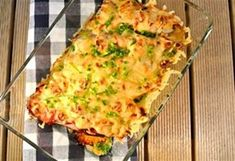 Chicory cut lengthwise into four bits, rolled into ham, covered with boursin garlic cheese and topped with grated cheese. Approx half an hr on . Dutch Recipes, Low Carb Recipes, Great Recipes, Cooking Recipes, Healthy Recipes, Tortilla Vegan, Tapas, Oven Dishes, Quiche