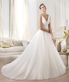 YESEL, Wedding Dress 2015 - Pronovias