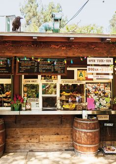 The trail cafe, serves a hearty menu of sandwiches, pastries and Stumptown coffee, ideal pre- or post-hike in Griffith Park, LA