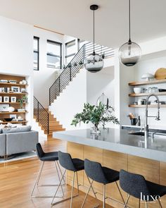 5 Bedroom Decor Mistakes to Avoid House design plan with 3 bedrooms Haus Design Plan mit 3 Schlafzimmern - Home Design with Plansearch Sweet Home, Kitchen Photos, Kitchen Ideas, Cuisines Design, Modern House Design, Modern Home Interior Design, Design My House, Natural Modern Interior, Condo Design