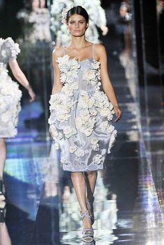 Dolce & Gabbana Spring 2009 Ready-to-Wear Fashion Show - Isabeli Fontana