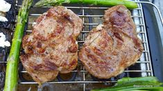 Ceafa de porc marinata in bere si prajita la gratar sau tigaie | Savori Urbane Tandoori Chicken, Barbecue, Food And Drink, Urban, Ethnic Recipes, Romanian Recipes, Bbq, Barrel Smoker, Barbacoa