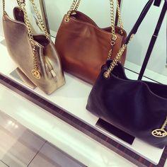 https://twitter.com/ernenite1987/status/838207114178867201MICHAEL Michael Kors Clutch - Astrid - MICHAEL Michael Kors - Designer Shops - Handbags - Bloomingdales