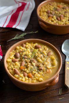 Pasta e fagioli Chowder Recipes, Soup Recipes, Vegan Recipes, Italian Soup, Italian Recipes, Beef Tagine, Beef Chorizo, Vegetable Soup Healthy, Cheeseburger Soup