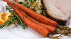 Roasted to tender perfection, these carrots are glazed in maple syrup, cinnamon and butter, and seasoned with rosemary and parsley. Vegetable Sides, Vegetable Side Dishes, Vegetable Recipes, Carrot Dishes, Brunch Appetizers, Cooking Recipes, Healthy Recipes, Roasted Carrots, Soup And Sandwich