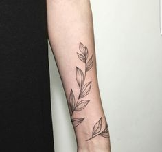 Pinterest: greeniexo #forearm_tattoo_minimalist