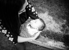 Wide angle portrait of mother and child, Darah Soria Photography. Wichita Falls Photographer.