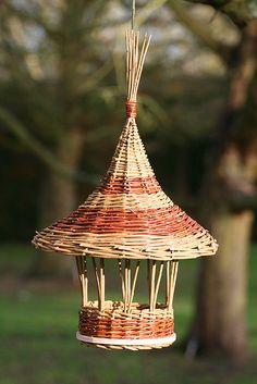 'Gazebo' bird feeder - As featured in book: Willow Craft 10 Bird Feeder Projects
