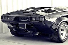 Lamborghini Countach Via @LienhardRacing #lamborghiniclassiccars