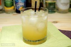 Hawaiian Screw – prosty drink z sokiem ananasowym Pillar Candles, Glass Of Milk, Hawaiian, Food, Vodka, Essen, Meals, Yemek, Candles