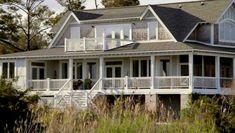 Emilys beach house in Revenge. ♥