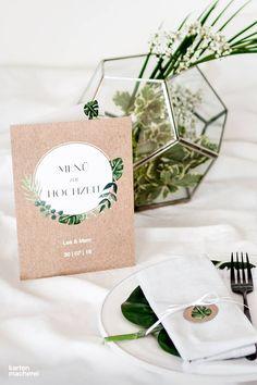 Boho und Greenery passen perfekt zusammen! Natürlicher Look auf eurem Hochzeitstisch mit der Menükarte Greenery Leaves.