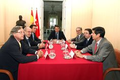 Ignacio González se reúne con los rectores de las Universidades Públicas madrileñas.