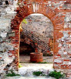 Interior del Fortín Solano - Puerto Cabello Venezuela tiene historia sagrada!