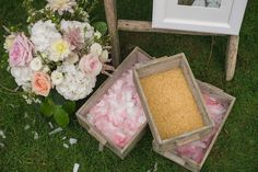 confetti station: petals or rice?