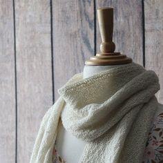 On the blog: Tiff's slow-knit scarf.  #knitting #slowfashion #yarn Slow Fashion, Photo And Video, Knitting, Blog, Handmade, Instagram, Hand Made, Tricot, Breien